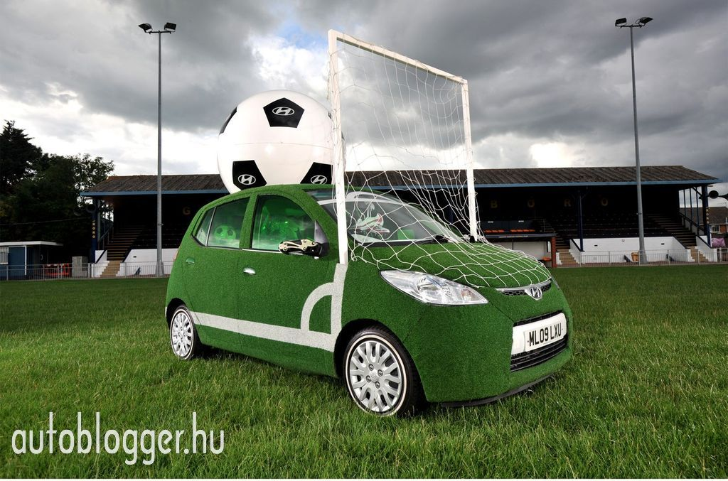 Hyundai i10  Labda autó a foci vb-re - Autoblogger.hu f85ce56d2e