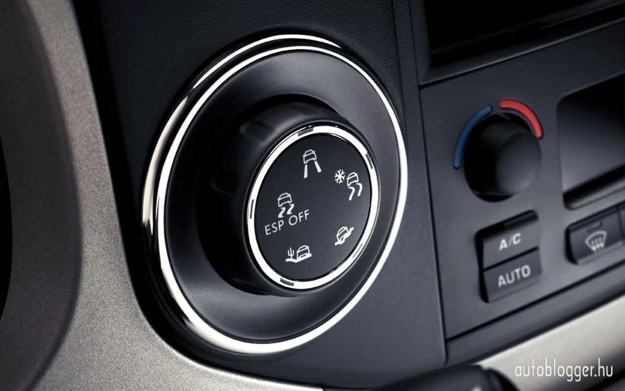 Uj_ Peugeot_3008_245465451