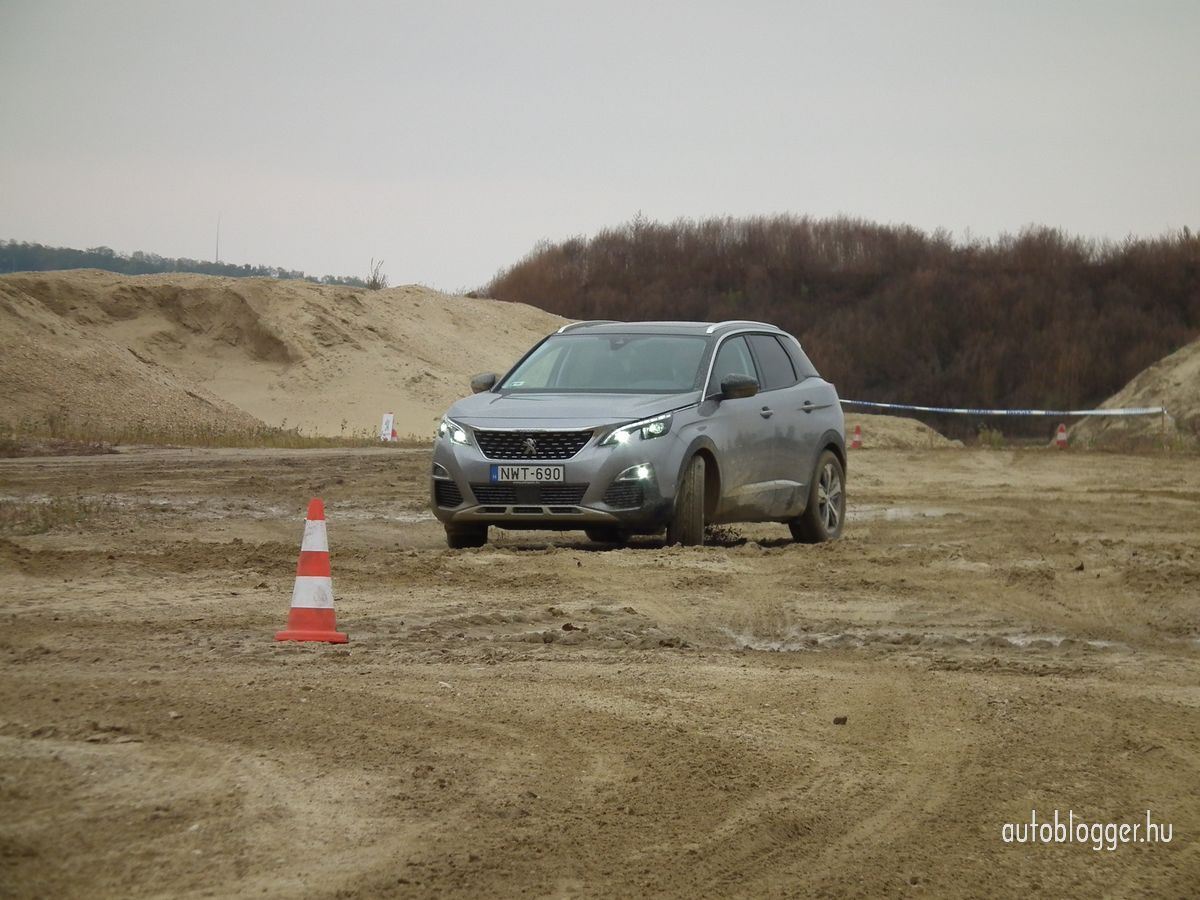 uj_Peugeot3008_2016_0025.jpg