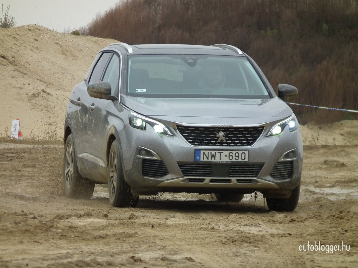 uj_Peugeot3008_2016_0027.jpg